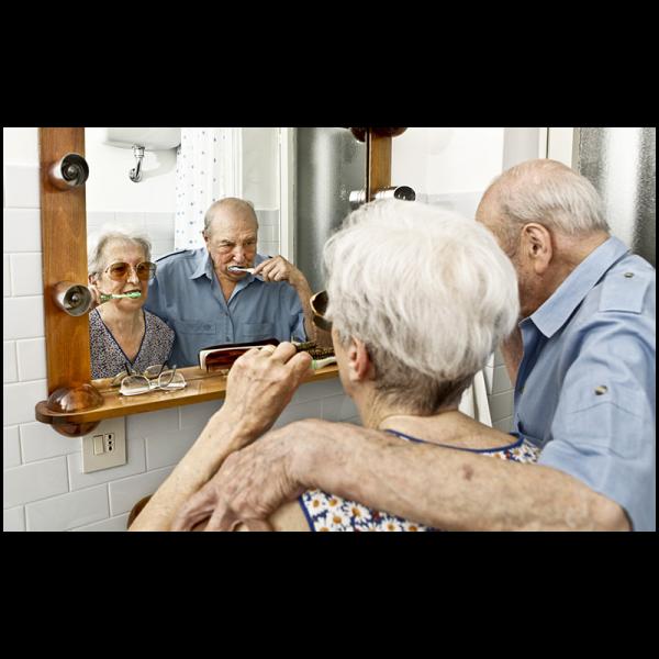 Curso gratuito EAD de sensibilização sobre cuidados com o idoso inscreve até dia 15