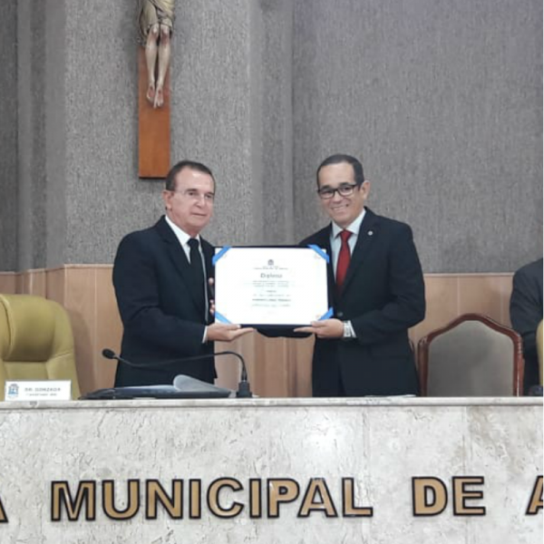 Presidente do Conselho Regional de Odontologia recebe título de Cidadão Aracajuano